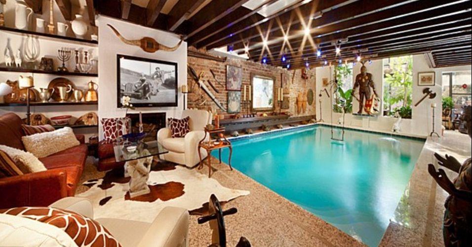 Casa com piscina na sala avaliada em us 10 9 mi nos eua for Piscinas dentro de casa