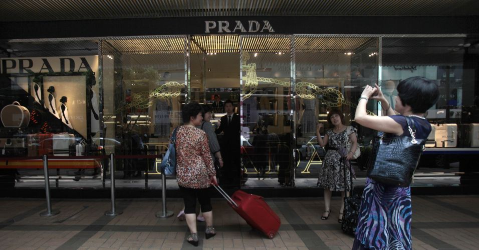 prada ipo Prada is also active in the eyewear,  on june 24th, 2011, prada spa (hkse code 1913) listed 20% of its shares on the hong kong stock exchange at ipo,.