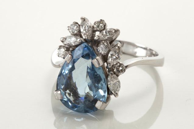 2765548a974 Site realiza leilão de 297 joias e canetas nesta quinta-feira (22).  b Lote  3   b  Anel de platina e diamantes (lance inicial de R  1.500
