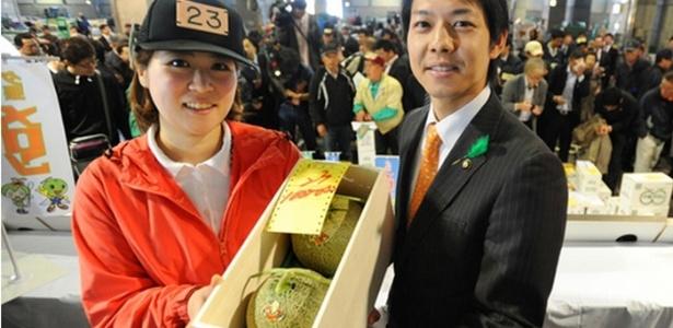 As frutas, da variedade cantaloupe, foram produzidas na região de Yubari e pesavam 4 quilos