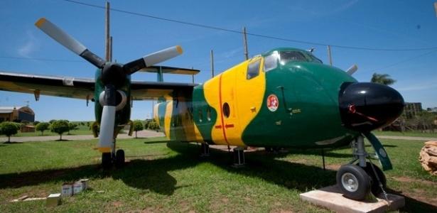 Aeronave Buffalo usada no Broa Golf Resort, em Itirapina (SP), como espaço para reuniões