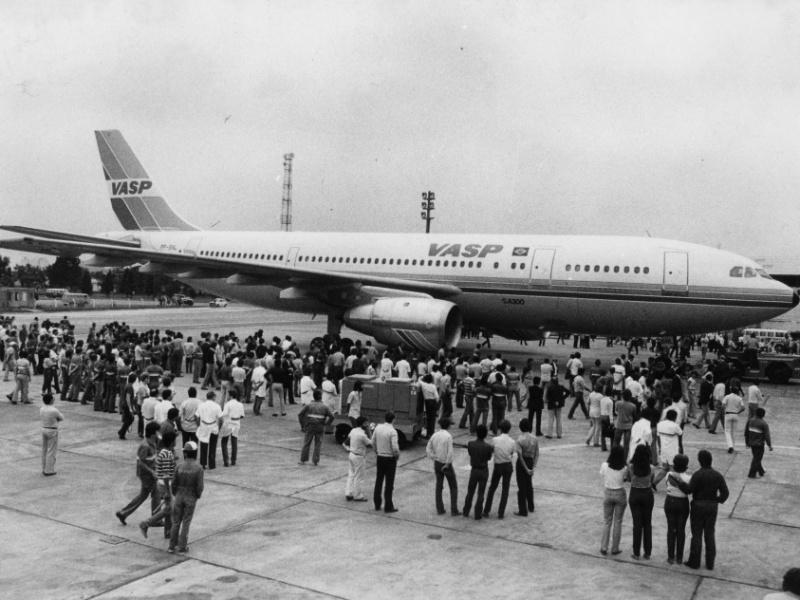 Chegada do primeiro Airbus da Vasp em Congonhas