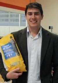 O publicitário Wagner Rover criou a própria empresa para vender anúncios em sacos de pão