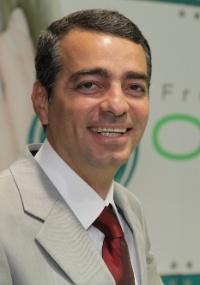 O dentista Paulo Zahr facilitou pagamento para atrair clientes
