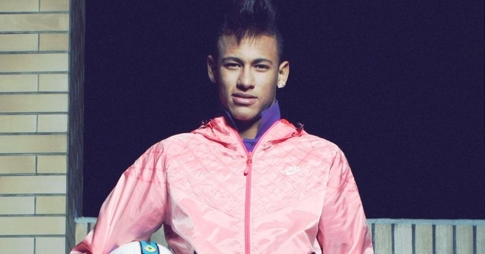 As roupas e os tênis da Nike são muito populares em letras de funk; o jogador Neymar é um dos garotos-propaganda da marca no país