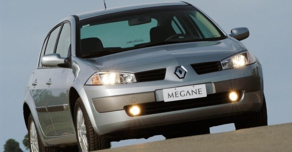 O modelo Meganem da Renault, virou título de música do MC Boy do Charmes, também cantada por Mr. Catra; o carro custa cerca de R$ 49 mil