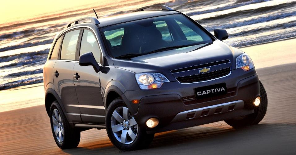 Sonho de consumo de funkeiros, o Chevrolet Captiva custa por volta de R$ 80 mil