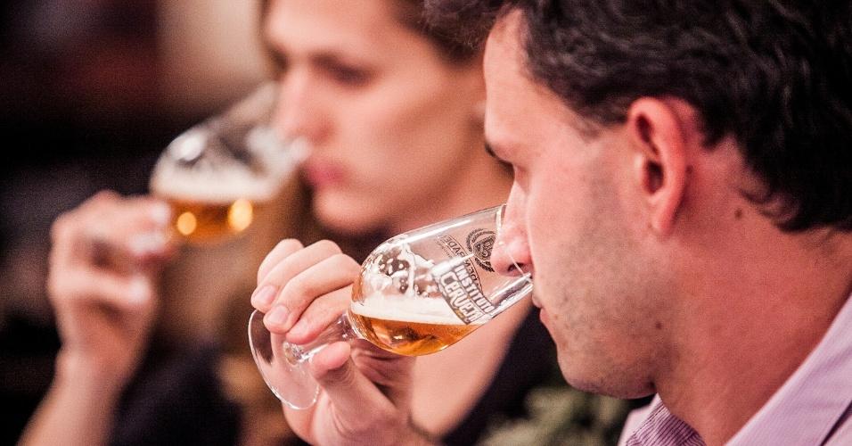 degustador que virou alcoolatra sera indenizado por cervejaria