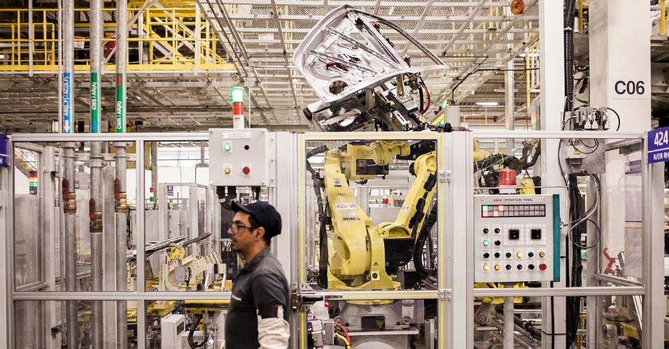 A hyundai inaugurou sua primeira fábrica no Brasil, na cidade de Piracicaba (SP), com capacidade de produzir 34 carros por hora