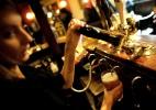 Bar belga abre guerra contra ladrões de copo e pede sapato como garantia - Dylan Martinez/Reuters