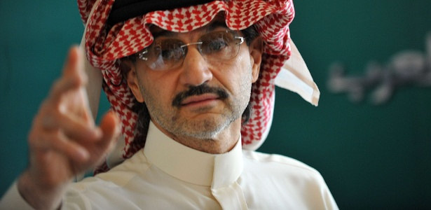 "O príncipe saudita Alwaleed bin Talal tem fortuna estimada em US$ 17 bi pela ""Forbes"""