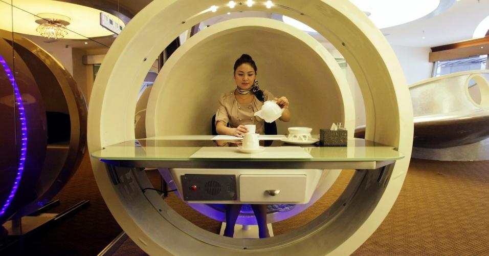"""Foi inaugurado na China um restaurante inspirado no avião da Airbus A380. Localizado em Chongqing, o """"Special Class"""" tem cerca de 600 metros quadrados, com seis salas para refeições, onde é possível acomodar até 110 pessoas, informa a imprensa local"""