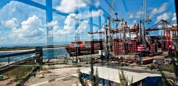 Obras no porto de Suape (PE), um dos polos do Nordeste que mais recebem investimentos - Tomas Munita/The New York Times