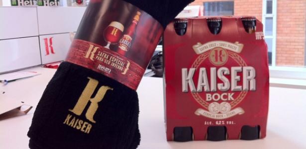 Kit da Kaiser Bock com manta que será distribuído em bares durante a temporada de inverno
