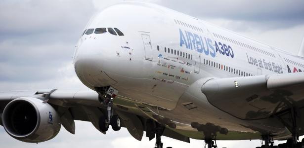 Airbus A380, também conhecido como superjumbo - Adrian Dennis/ AFP Photo