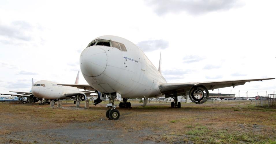 Aviões da extinta Transbrasil que estão há anos parados no Aeroporto de Brasília receberam autorização da Justiça para serem desmontados