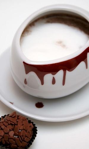 Chocolate quente e Brigadeiro da loja Brigaderia
