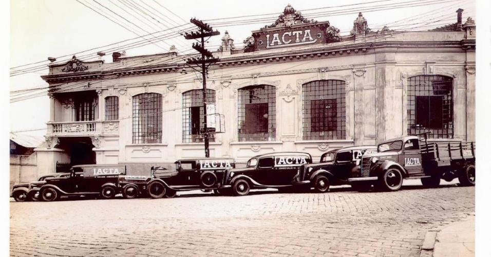 Lacta comemora 100 anos fotos uol economia - Maison brooklin sao paulo galeria arquitetos ...