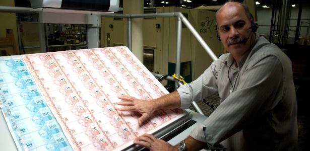 Cédulas de real durante processo de fabricação na Casa da Moeda