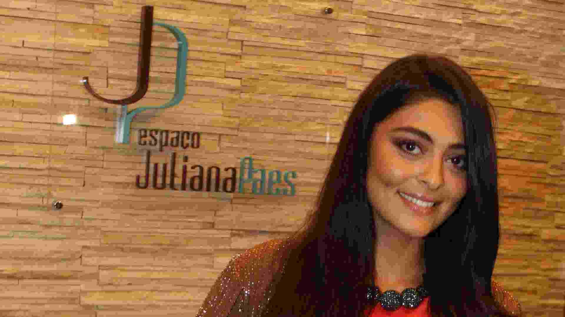 Juliana Paes no seu salão de beleza espaço vip Juliana Paes - Divulgação