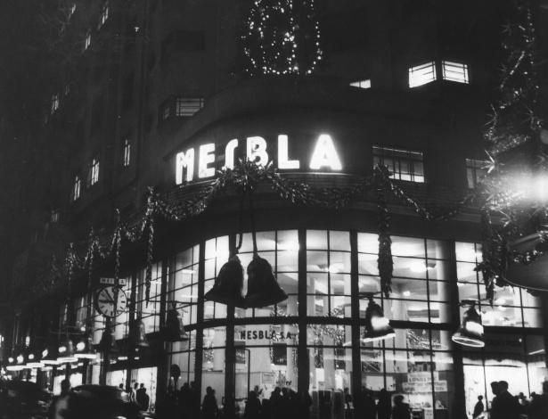 Decoração natalina da loja Mesbla, no centro de São Paulo (SP). (São Paulo, SP, 00.12.1957.)