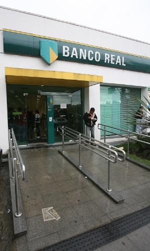 Fachada de antiga agência do Banco Real