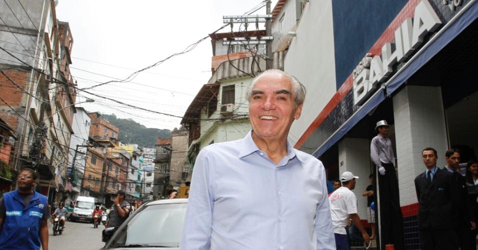 Michael Klein, presidente do Conselho de Administração da holding que controla as Casas Bahia, na abertura da primeira loja na favela da Rocinha, em novembro de 2012