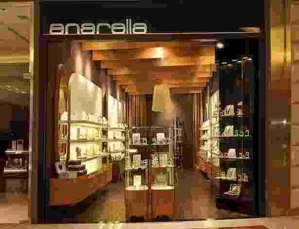 Franquia de bijuteria Anarella - Divulgação