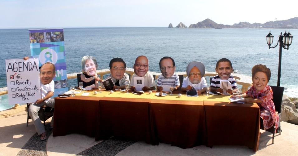 Na foto, ativistas com máscaras de líderes do G20 protestam em Los Cabos, no México, antes da cúpula do G20