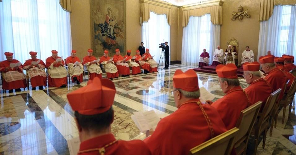 11.fev.2013 - Assembleia de cardeais, no Vaticano, na qual o papa Bento 16 anunciou sua intenção de renunciar ao pontificado