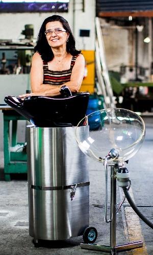 Gislaine de Fátima Marcandali, criadora do lavatório portátil para cabelos
