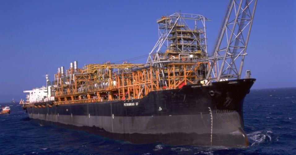 2000 Petrobras supera marca de 1500000 barris dia