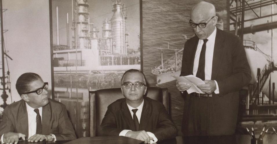 Posse da primeira Diretoria da Petrobras Química (Petroquisa), a primeira subsidiária da Petrobras