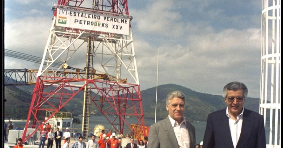 O Presidente da Petrobras Joel Mendes Rennó e o Ministro das Minas e Energia Raimundo Brito durante a cerimônia de lançamento da plataforma P.25 a ser instalada no campo de Albacora na bacia de Campos, o primeiro campo gigante descoberto na plataforma continental
